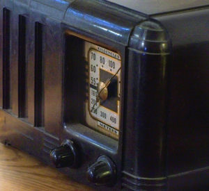 Old Radio, image courtesy of Grafixar
